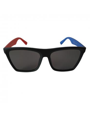 Γυαλιά ηλίου με γκρι φακό και μαύρο σκελετό με δίχρωμο βραχίονα